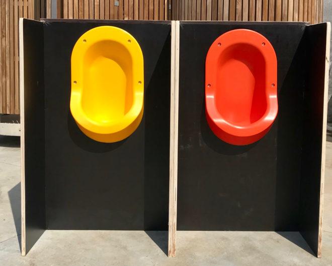locations urinoirs colorés